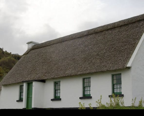 Corofin Lake Cottages Type B - 3 Bed - Corofin - Haus