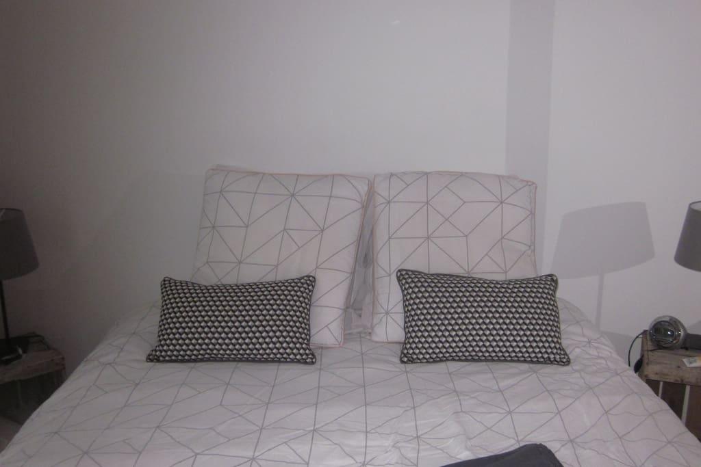 chambre lit double au 1er
