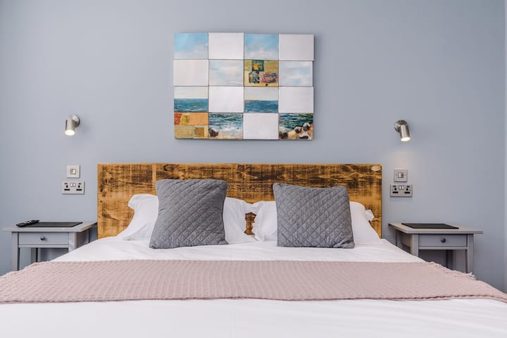 Lymm Boutique Rooms - Saddlers View