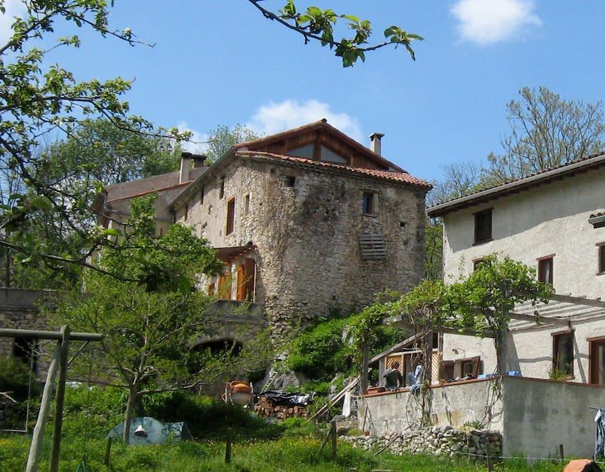 Une ancienne maison forte du XIVe.