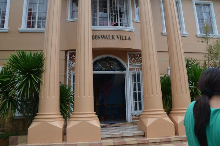 Moonwalk Villa Resort
