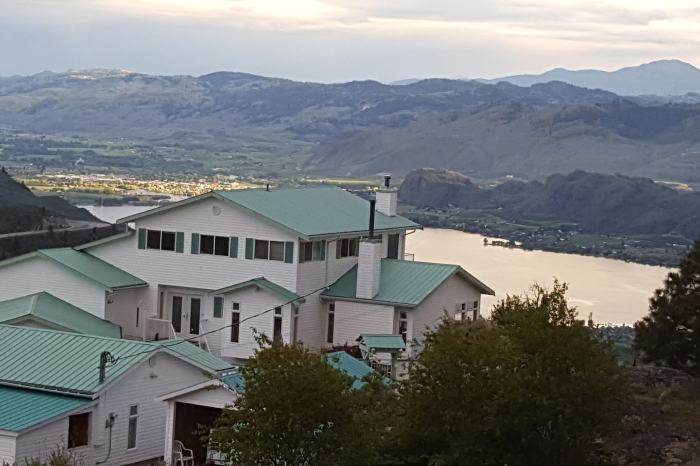 The house is situated on 12 acres overlooking Osoyoos Lake in a quiet, high-end neighbourhood.