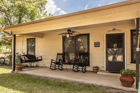 Gated country home minutes from Weatherford