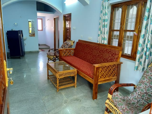 Mountain House AC 5 min walk to Ramana Ashram