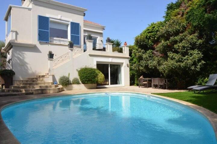 Villa moderne 5 chambres au Cap d'Antibes