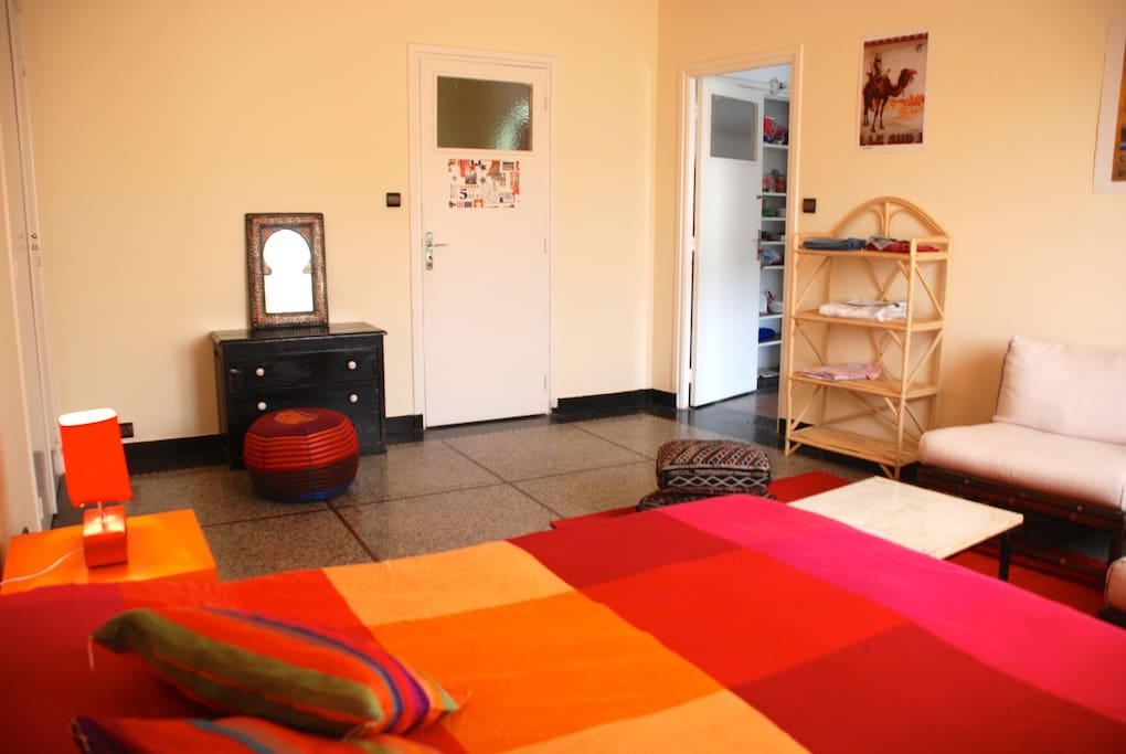 Private bedroom - Chambre privée