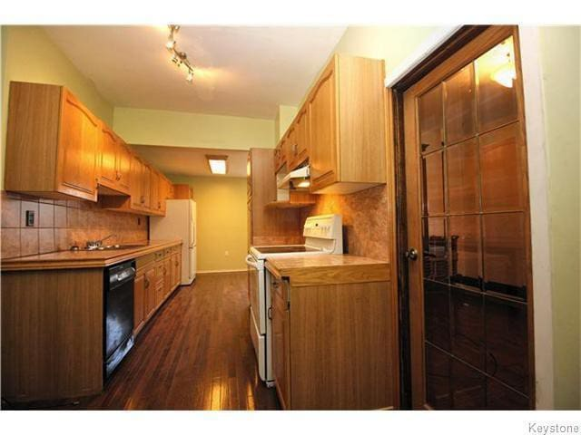 Furnished Big room Downtown- Can accommodate two