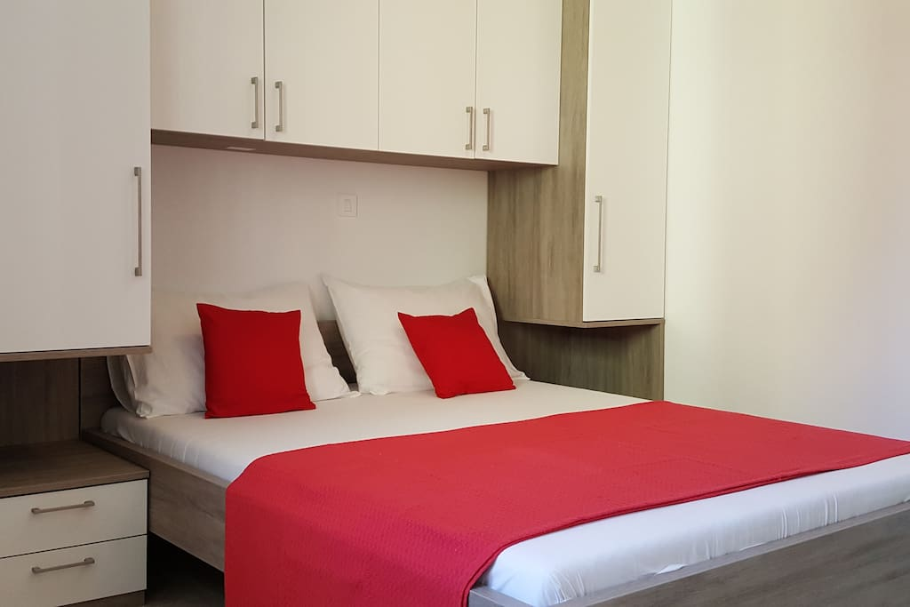 Bedroom with comfortable double bed 160x200cm
