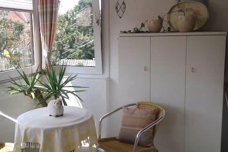 Ferienwohnung Edith, großzügige Ferienwohnung - Quakenbrück - Haus