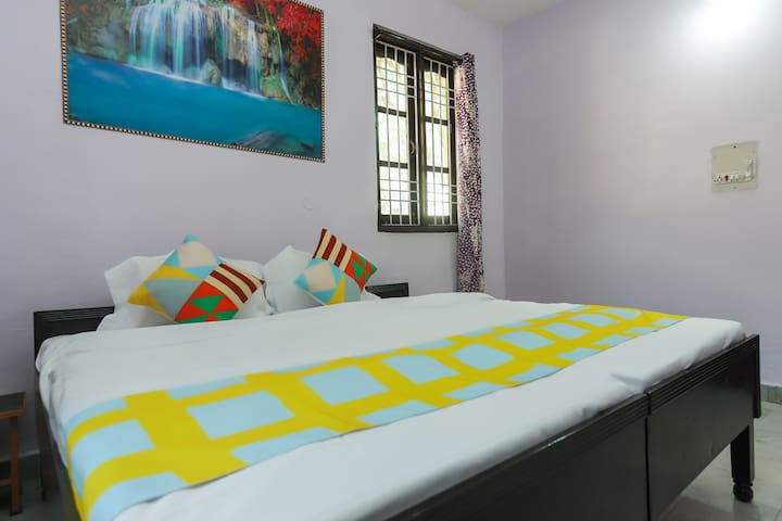 OYO Deluxe 1BR Home in Dharamshala