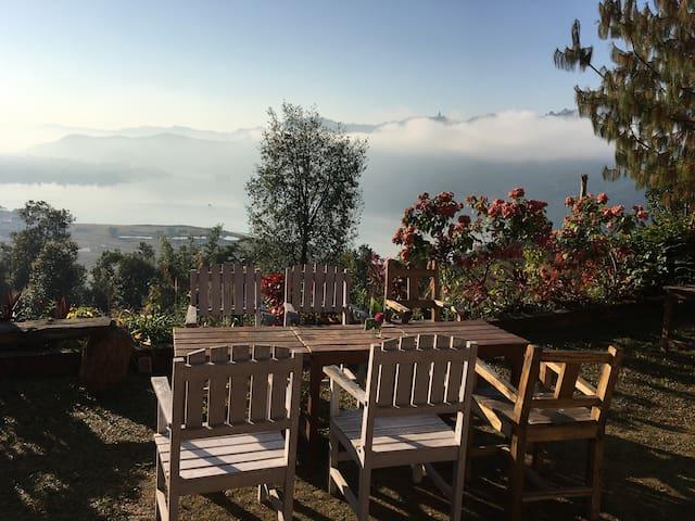 Superior Room - Private Balcony Sunrise & Stars - Pokhara - Bed & Breakfast