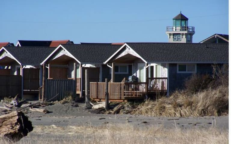 Private Beach Front Charming Cabins/ Private Cove