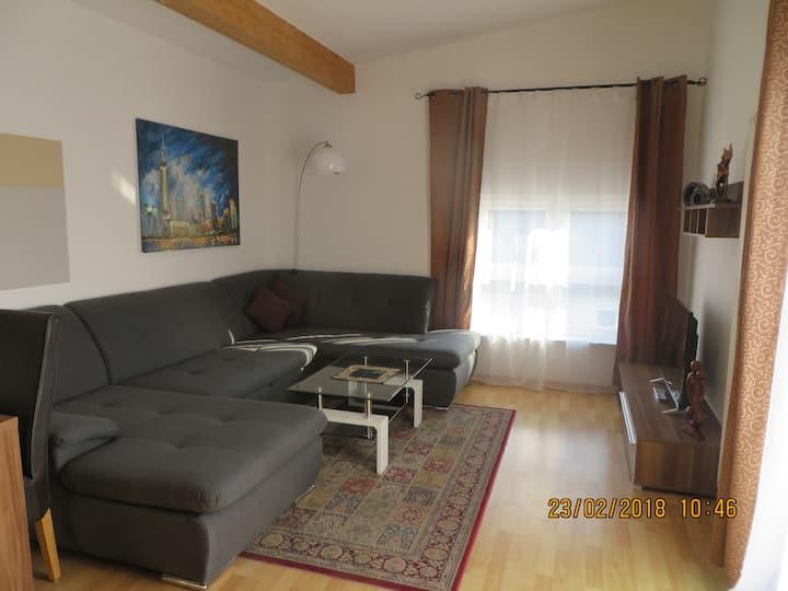 Komfortable Wohnung-bis zu 6 Personen mit Terrasse