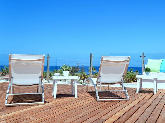Mirador de Palm-Mar, outdoor jacuzzi and views