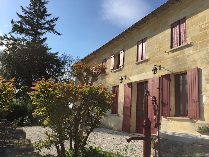 Maison de charme 12 personnes près Saint Emilion