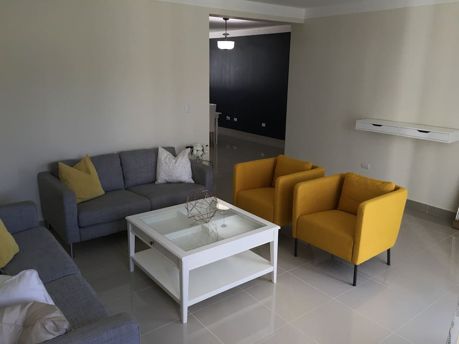 Deveras 3 bedroom apt w free wifi apartments for rent for Furniture stores in santiago dominican republic