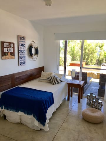 Single Room with 2nd bed underneath - Exit to garden & pool - Floor 0
