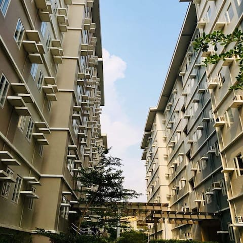 Trees Residences Staycation/Rental