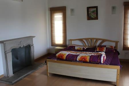 Pine Glade - Bhimtal - Σπίτι