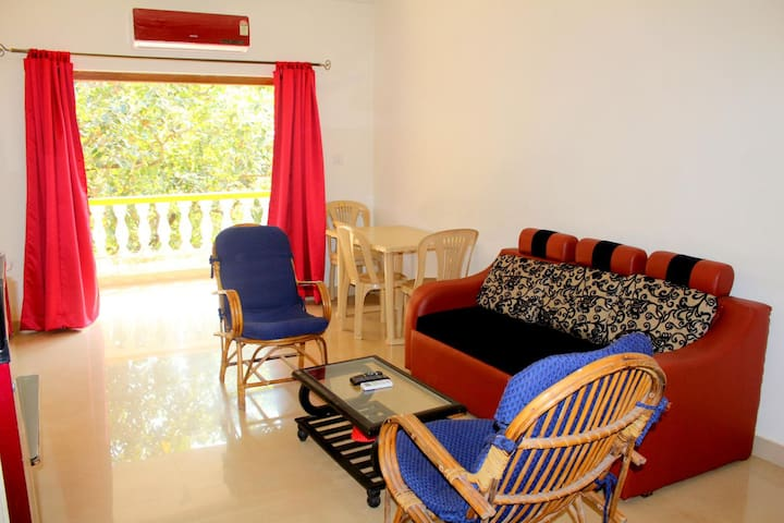 Lazy 1BHK Condo In Candolim With Breakfast