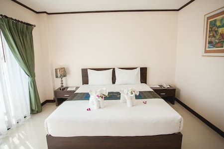 Royal Nakhara Hotel and Convention Centre - Tambon Mi Chai