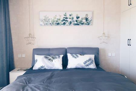 抚仙湖双卧室,双阳台海景房,北欧风风格装修,月亮湾湿地公园免费。