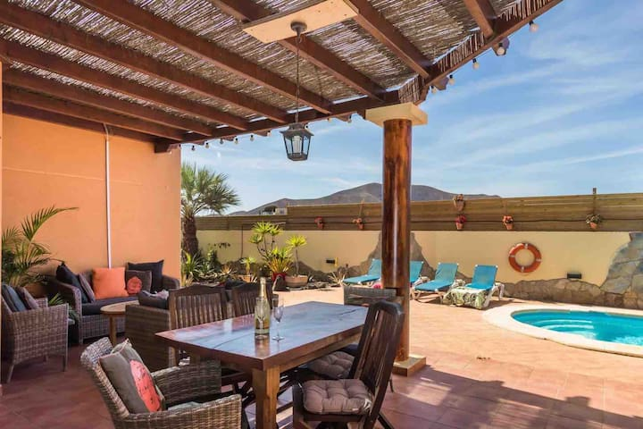 Spacious detached villa with private heated pool