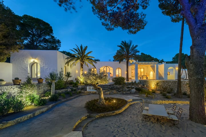 Beautiful 5bd House in Cala Corral