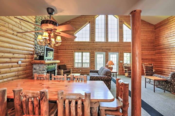 Premier Starved Rock Luxury Cabin