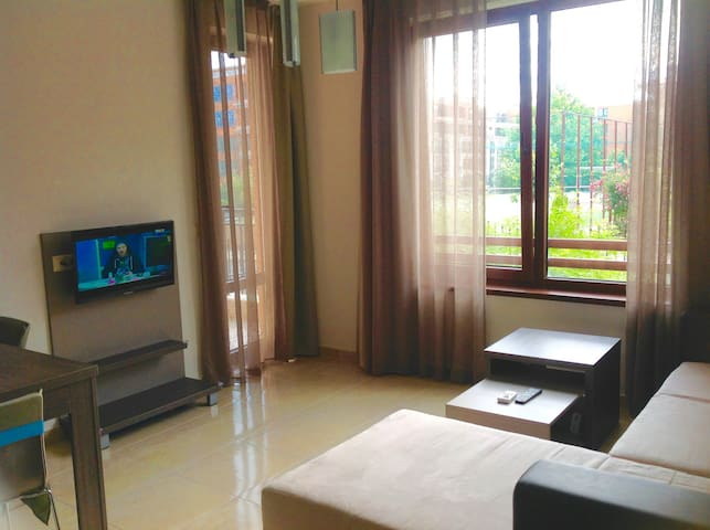 Well located nice apartment in Bulgaria - Sveti Vlas - Apartamento
