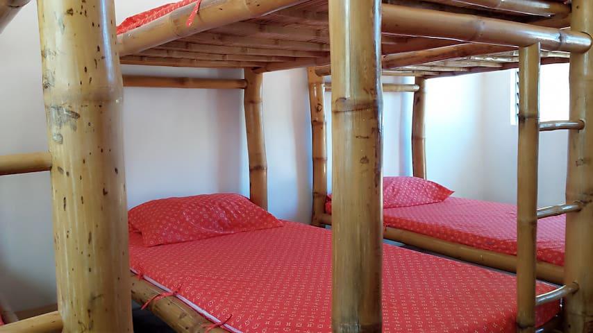 Pilgrim Beach Resort dormitory - Sagay - Schlafsaal