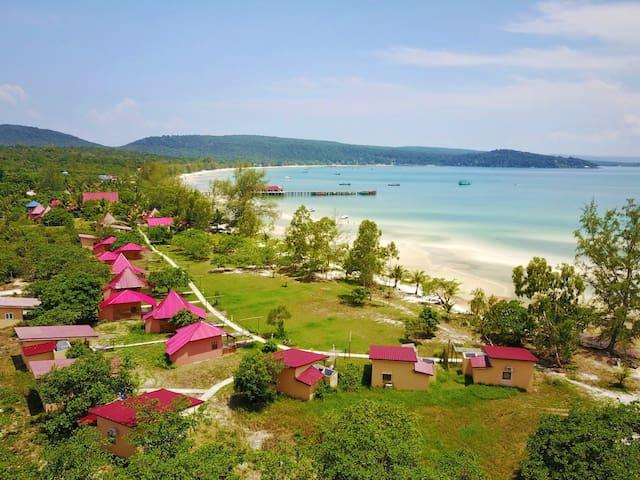 Paradise Villas Resort Saracen Bay Beach Koh Rong Sanloem