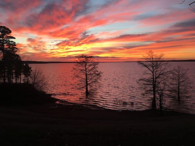 Sunset on Enid Lake