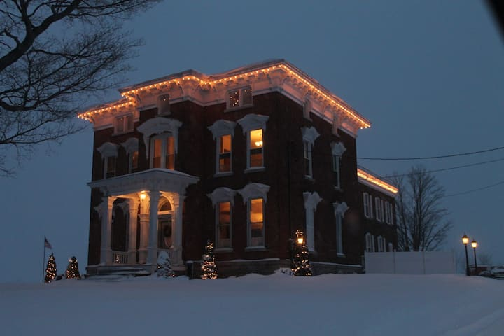 North Country Manor Bed and Breakfast