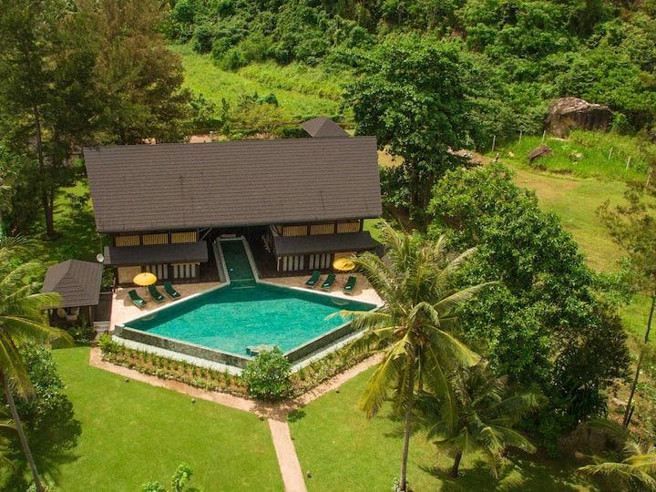Sabah Sunset Luxury Villa @ Kudat Riviera