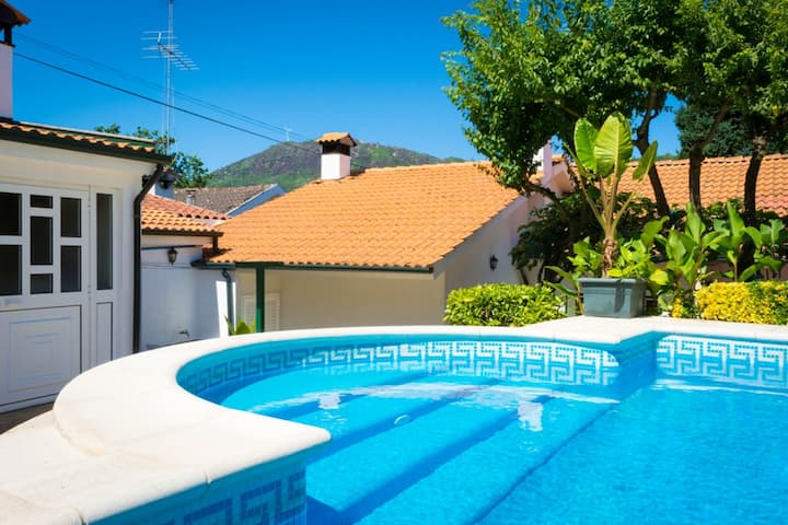 Villa with 5 bedrooms in Alvite, with wonderful mountain view, private pool, enclosed garden - 2 km from the beach