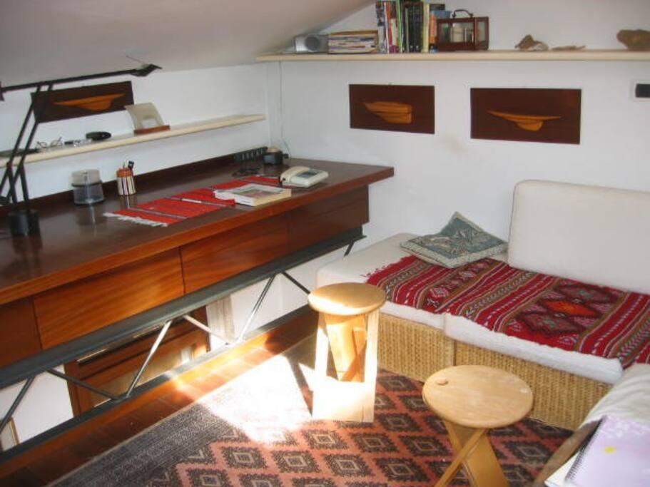 soppalco -stanza studio
