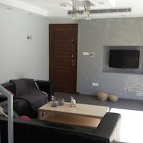 Palms Resort Apartments - E001 - Larnaca - Byt