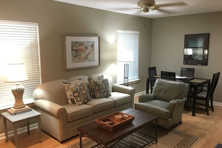Fairhope Condo Overlooking Bay - Fairhope