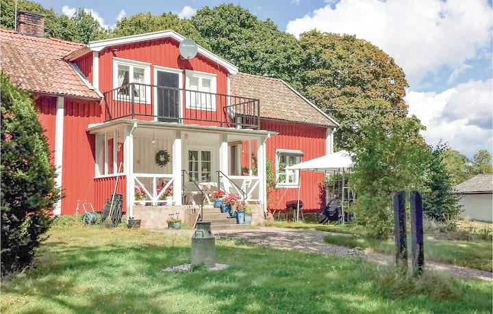 Beautiful home in Halltorp with 3 Bedrooms
