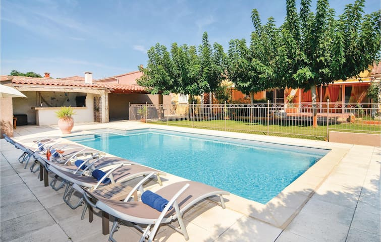 Semi-Detached with 4 bedrooms on 120m² in Fourques