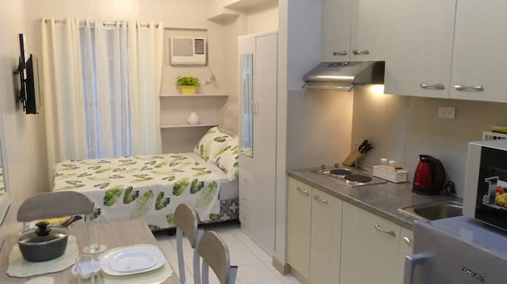 Cozy Condo Furnished in Center of Davao City+ WiFi