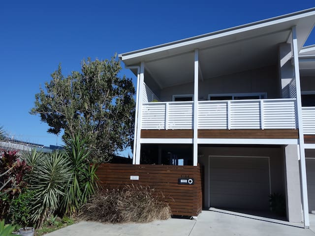 Lennox Head Village 2 bedroom Holiday Apartment - Lennox Head - Apartment
