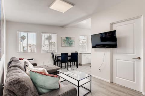 Newly Remodeled 1 Bdrm, 1 Bath Beach Apartment