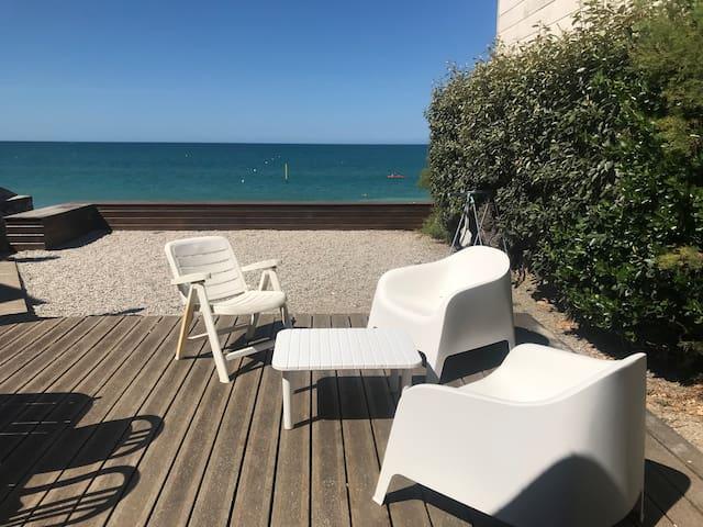 Front de mer, centre, villa tout confort avec vue