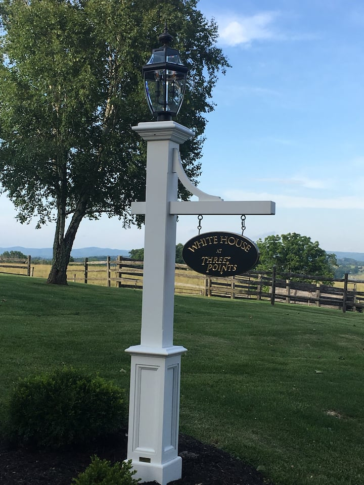 The White House at Three Points Farm