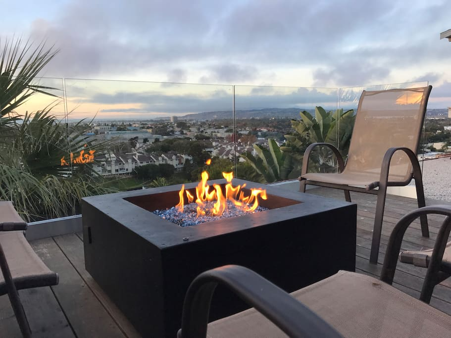 Private roof-top deck. Views include Pacific Ocean, Mission Bay and Sea World fireworks.