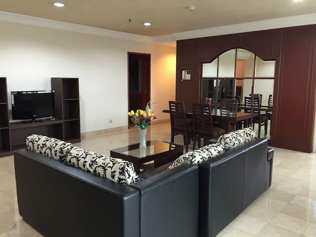 Spacious space 2br  apartment at  Pondok Indah