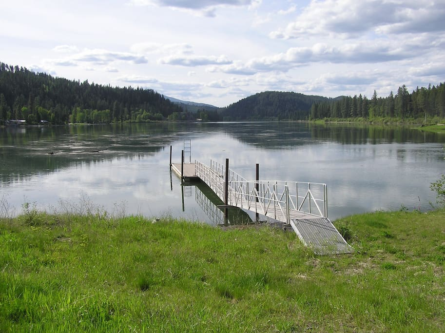 Come spend some time on the Pend Oreille River.