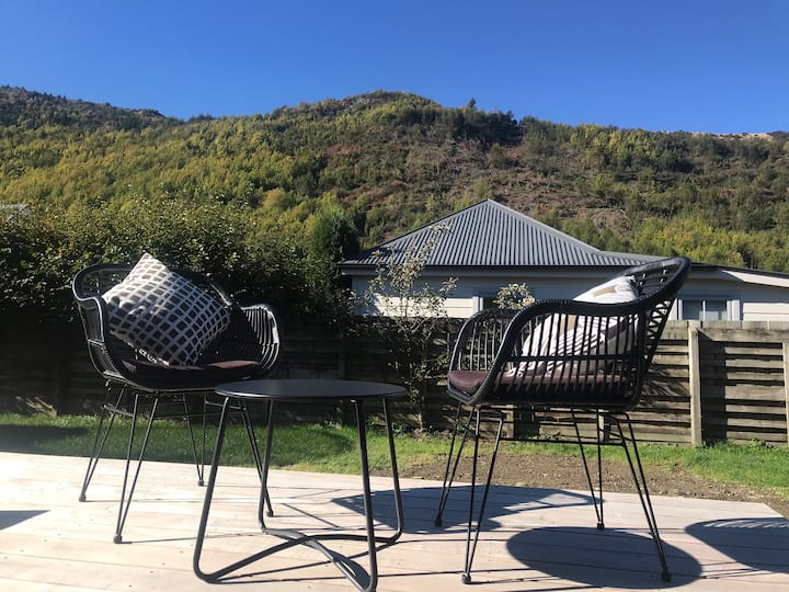 Arrowtown Studio with a view